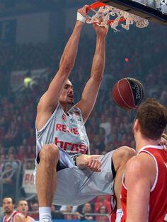 Maik Zirbes