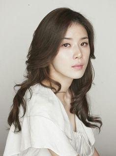 Lee Bo-young