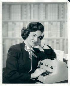 Pauline Phillips