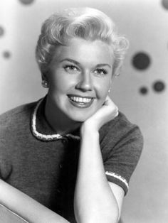 Doris Blanc Pin