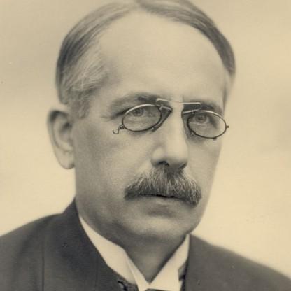 Gustav Suits